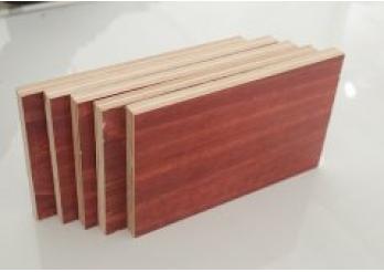 酚胶镜面模板,山东建筑模板价格,建筑模板生产厂家